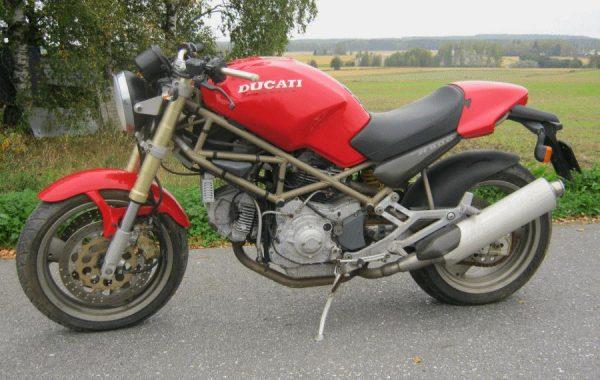 Ducati Monster M900 -95