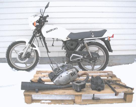 Suzuki GS 125 -83