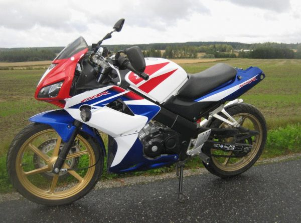 Honda CBR 125R -11