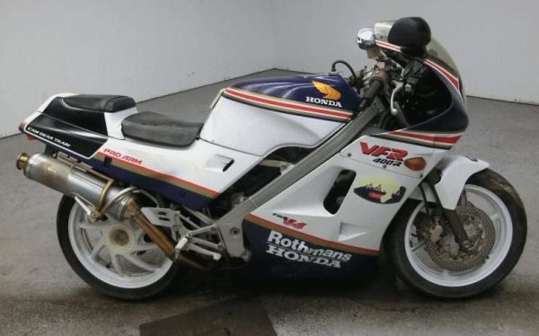 Honda VFR400R Rothmans 1987