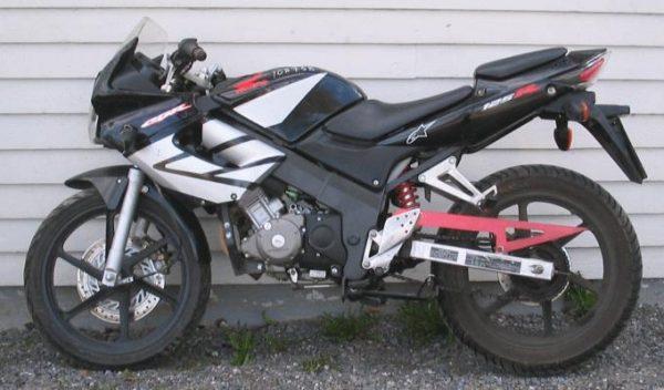 Honda CBR 125 -06