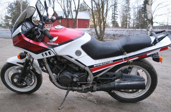 Honda VF 500F -84