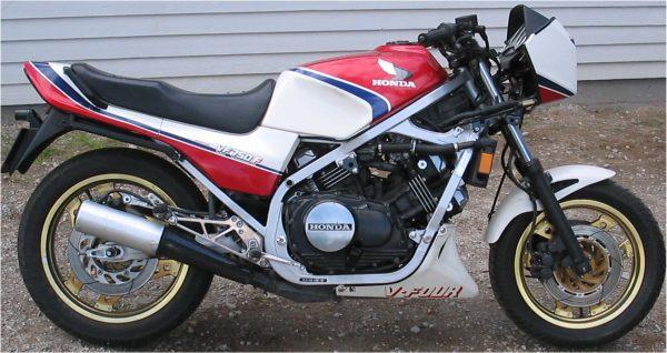 Honda VF 750F -84