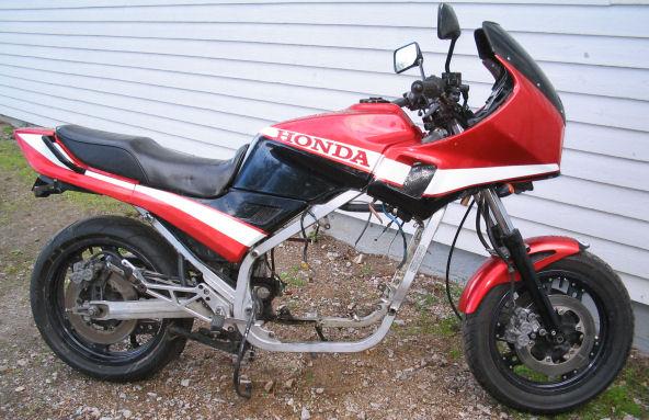 Honda VF1000F -84