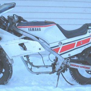 Yamaha FZR 400 -89