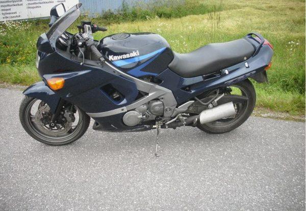 Kawasaki ZZR 600 -90
