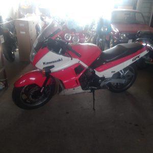 Kawasaki GPX 750 R -88